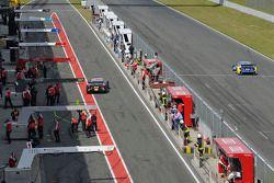 Timo Scheider, Audi Sport Team Phoenix, Audi RS 5 DTM, Gary Paffett, EURONICS Mercedes AMG