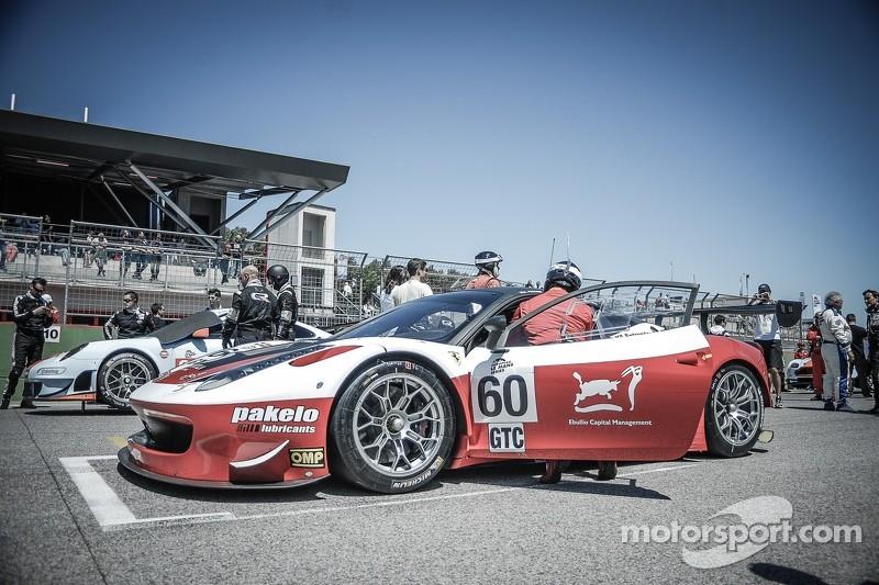 #60 Formula Racing 法拉利 F458 Italia GT3: 安德里亚·皮奇尼, 约翰尼·劳森, 米克尔·麦克·延森