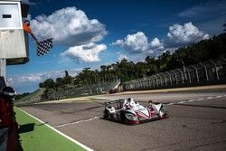 #38 Jota Sport Zytek Z11SN Nissan: Simon Dolan, Harry Tincknell, Filipe Albuquerque takes the win