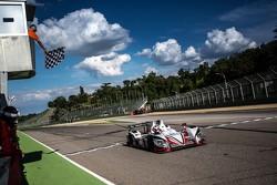 #38 Jota Sport Zytek Z11SN Nissan: Simon Dolan, Harry Tincknell, Filipe Albuquerque : Vainqueurs
