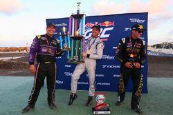 领奖台: 比赛获胜者 Scott Speed, 第二名 Steve Arpin, 第三名 Brian Deegan