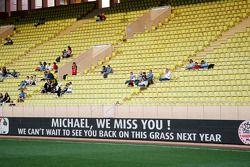 Un messaggio di supporto Michael Schumacher, alla partita di beneficenza