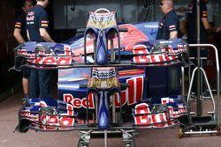 Scuderia Toro Rosso STR9 asa dianteiras