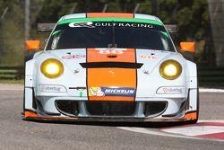 #86 Gulf Racing UK Porsche 911 GT3 RSR: Michael Wainwright, Adam Carroll, Ben Barker