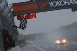 Vencedor Race 1, GW IT Racing Team Schötz Motorsport Porsche 911 GT3 R: Kevin Estre, Jaap van Lagen