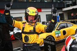 GW IT Racing Team Schötz Motorsport Porsche 911 GT3 R: Kevin Estre, Jaap van Lagen