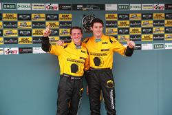 领奖台: 比赛获胜者 第一场比赛, GW IT Racing Team Schötz Motorsport 保时捷 911 GT3 R: Kevin Estre, Jaap van Lagen