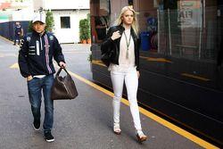 Valtteri Bottas, Williams con la fidanzata Emilia Pikkarainen, nuotatrice