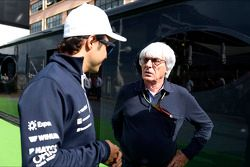 (L to R): Felipe Massa, Williams with Bernie Ecclestone