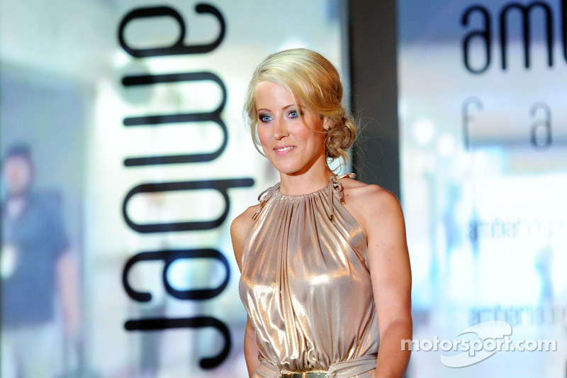 Jennifer Becks, fidanzata di Adrian Sutil, Sauber, all'Amber Lounge Fashion Show