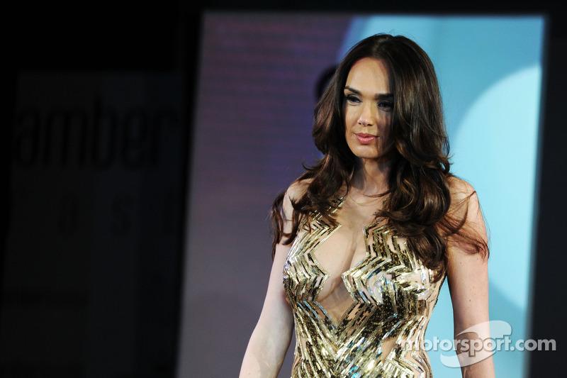 Tamara Ecclestone, que trabalha como modelo