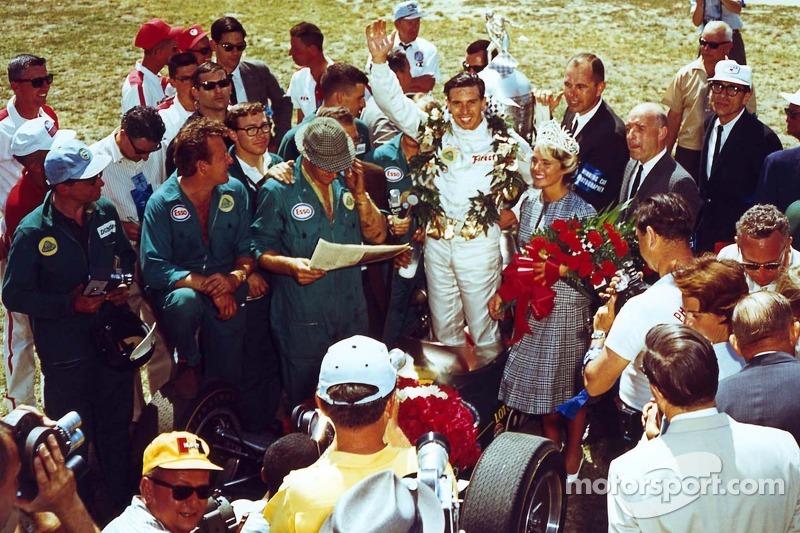 #49 Jim Clark 1965