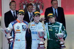 El podio: El ganador Stephane Richelmi, segundo lugar Sergio Canamasas y tercero Rio Haryanto