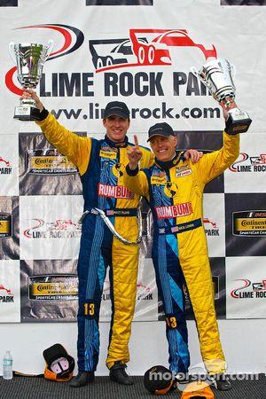 马牌轮胎挑战赛(CTSCC)GS组冠军驾驶Rum Bum车队13号保时捷的马特·普拉姆、尼克·隆吉