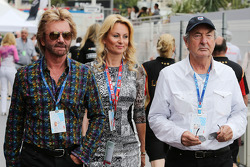 Noel Edmonds, TV Presenter con Nick Mason Baterista de Pink Floyd