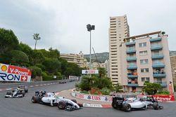 Valtteri Bottas, Williams FW36 e Felipe Massa, Williams FW36 na largada da corrida