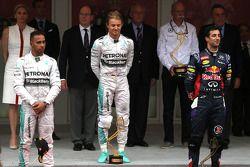 Nico Rosberg, Mercedes AMG F1 Team, Lewis Hamilton, Mercedes AMG F1 Team e Daniel Ricciardo, Red Bull Racing