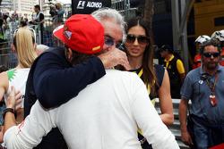 Flavio Briatore avec sa femme Elisabetta Gregoraci et Fernando Alonso sur la grille