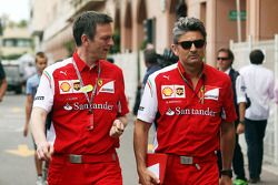 James Allison, Director de técnico de chasis de Ferrari con Marco Mattiacci, director del equipo Fer