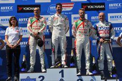 Jose Maria Lopez, Gabriele Tarquini, Honda Civic WTCC, Castrol Honda WTCC team, e Tiago Monteiro, Ho