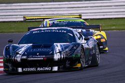 #11 Kessel Racing Ferrari 458 Italia: Michael Broniszewski, Alessandro Bonacini,Giacomo Petrobelli