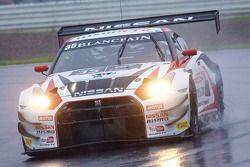 #35 日产 GT学院车队 RJN 日产 GT-R Nismo GT3: 斯坦尼斯拉夫·阿克塞诺夫, 米盖尔·法伊斯卡, 千代胜正
