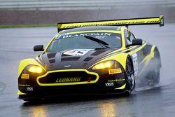 #32 Leonard Motorsport 阿斯顿马丁 Vantage GT3 AMR: 斯图尔特·伦纳德, 保罗·威尔森, 乔纳森·亚当