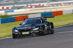#19 PIXUM Team Schubert BMW Z4 GT3: Dominik Baumann, Claudia Hurtgen