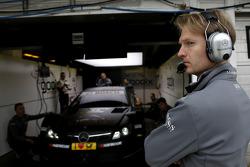 Ingenieur von Pascal Wehrlein, Mercedes AMG DTM-Team HWA, DTM Mercedes AMG C-Coupe
