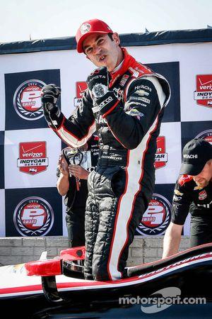 Helio Castroneves célèbre sa pole position
