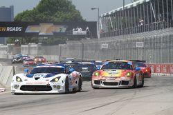#33 Riley Motorsports SRT Viper GT3-R: Jeroen Bleekemolen & Ben Keating #73 Park Place Motorsports