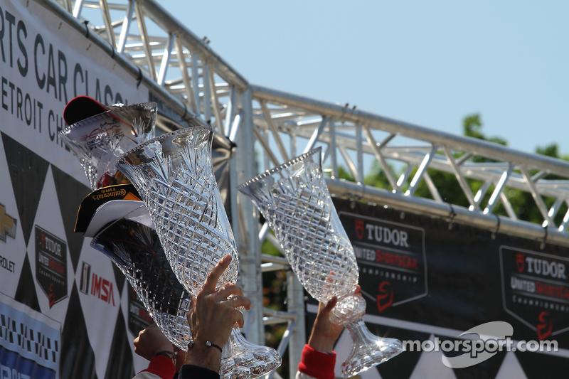 Vencedores' trophies