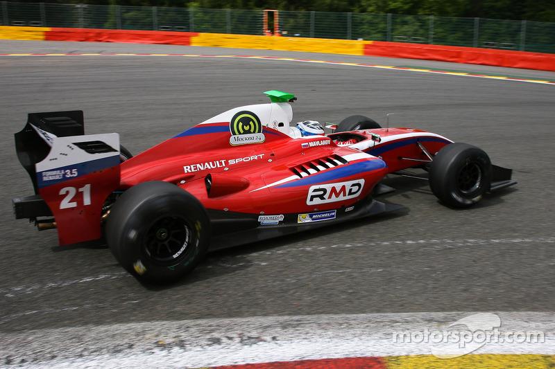 Формула Renault 3.5: Zeta Corse