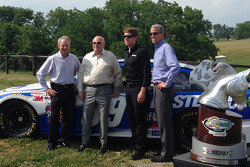 Steve Cauthen, O. Bruton Smith, Carl Edwards, Mark Simendinger