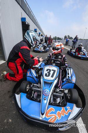 亚历克斯·布伦德尔和Motorsport.com的埃里克·吉伯特,图片由DPPI的克莱门特·马林拍摄