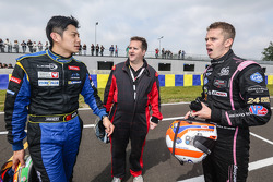 Ho-Pin Tung, Motorsport.com's Eric Gilbert and Alex Brundle. Photo Clément Marin / DPPI