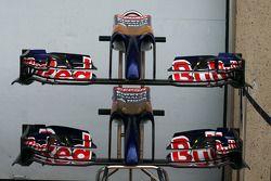 Scuderia Toro Rosso STR9, Frontflügel