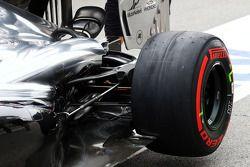 威廉姆斯FW36赛车—后悬挂细节
