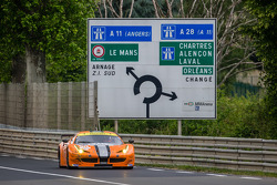 #90 8 Star Motorsports Ferrari 458 İtalya: Frankie Montecalvo, Gianluca Roda, Paolo Ruberti