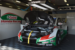 Gabriele Tarquini, Honda Civic WTCC, Castrol Honda WTC Team lidera Tiago Monteiro, Honda Civic WTCC,