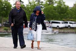 Grahame Chilton, con su esposa Nadine Chilton
