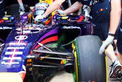 Flow-Vis-Farbe am Frontflügel: Daniel Ricciardo, Red Bull Racing RB10