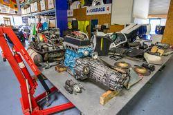 Courage Compétition : moteurs en restauration