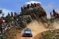 Thierry Neuville en Nicolas Gilsoul, Hyundai i20 WRC, Hyundai Motorsport