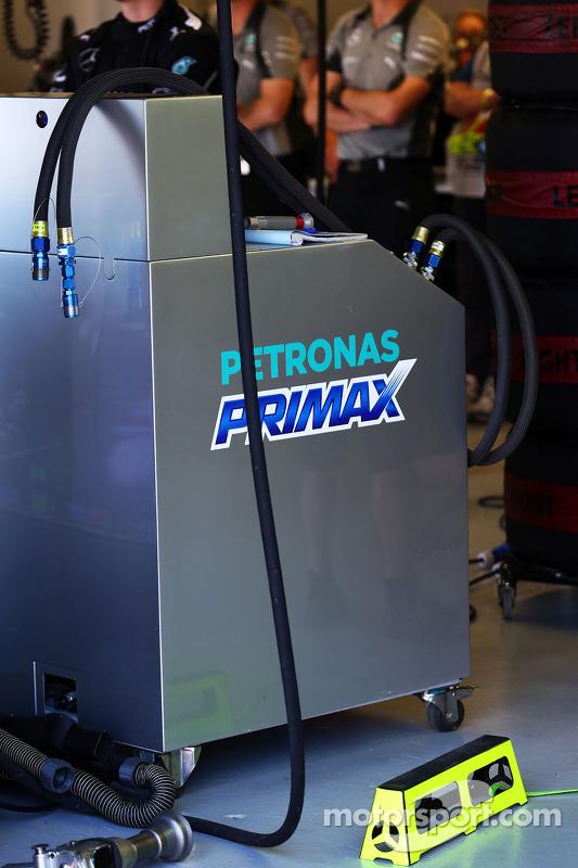 Pit da Mercedes AMG F1