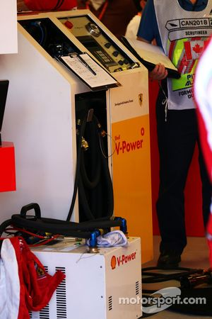 Box: Ferrari