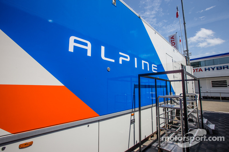 Signatech Alpine, area paddock