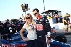 Graham Rahal con su novia Courtney Force