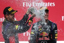 Podio: tercer lugar Sebastian Vettel, Red Bull Racing; ganador de la carrera Daniel Ricciardo, Red B