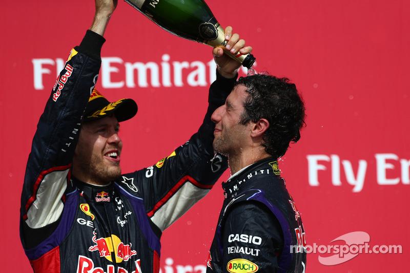 Sebastian Vettel, Red Bull Racing con el vencedor de Daniel Ricciardo, Red Bull Racing 08, en el GP de Canadá 2014